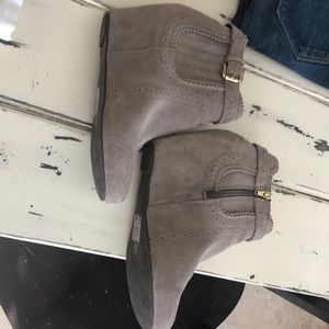 Dolce vita suede leather zip booty size 8